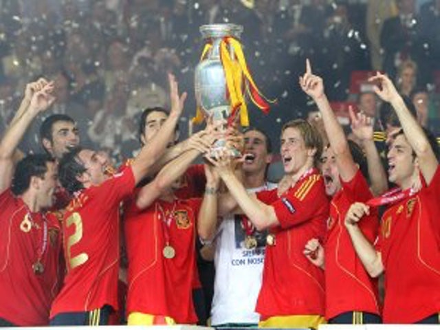 Spain offer to host Euro 2012?