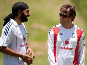 Panesar wickets put England back on top