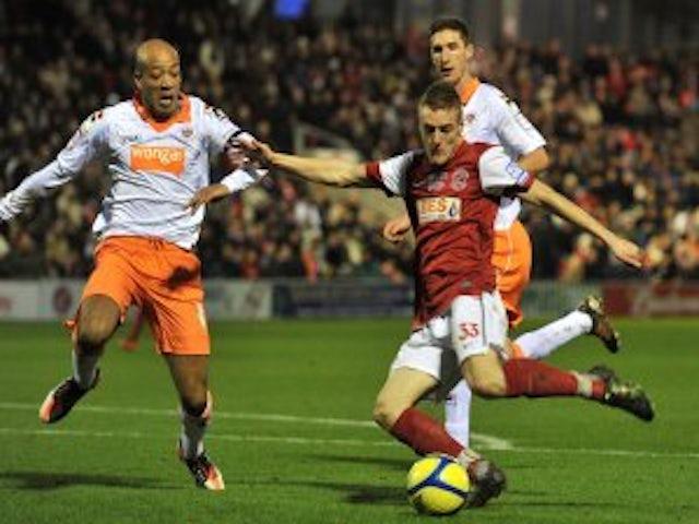Blackpool's Vardy bid rejected