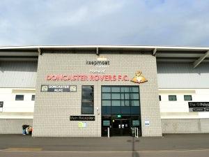 Doncaster sign Fernandez
