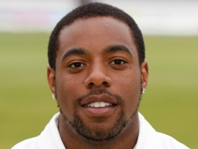 Former Essex bowler admits corruption charge