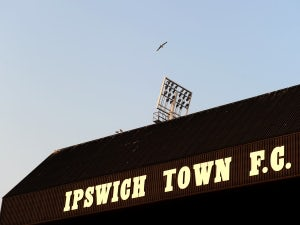 Half-Time Report: Ipswich, Blackpool level