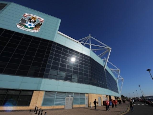 Coventry sign Elliott
