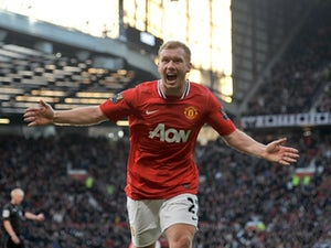Team News: Scholes returns for Man United