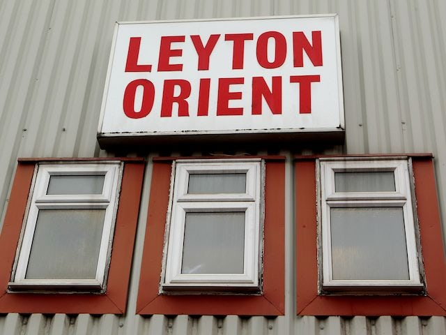 Lisbie signs on at Orient