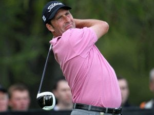 Olazabal hits spectator in practice