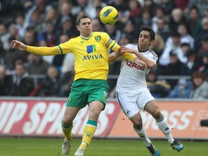 Hughton denies Holt disagreement