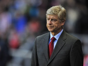 Wenger: 'Referees should be left alone'