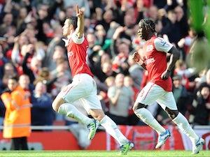 Rooney backs Van Persie for PFA award