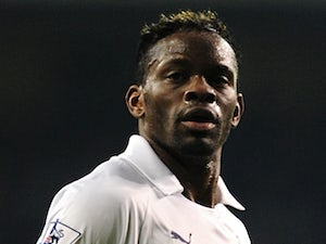 Louis Saha heading for Lazio
