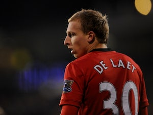 Leicester to move for De Laet?