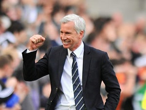 Pardew: 'We can win at Anfield'