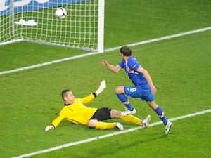 Jelavic warns Everton teammates