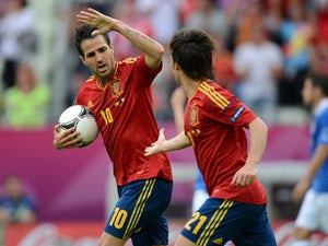 Team News: Fabregas chosen ahead of Torres