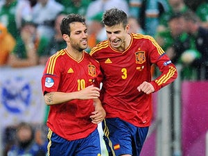 Pique: 'Fabregas staying at Barcelona'