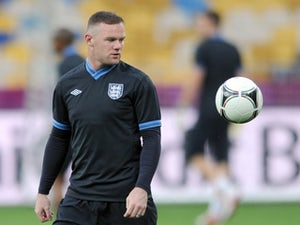 Rooney praises England fans