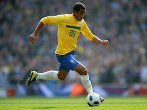 Agent: 'Lucas rejected Man Utd'