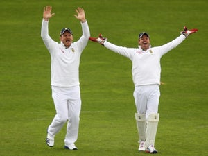 Surrey complete Smith deal