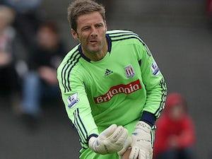 Norwich City capture Carlo Nash