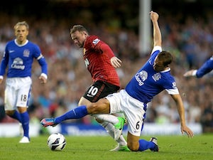 Round backs Jagielka for England