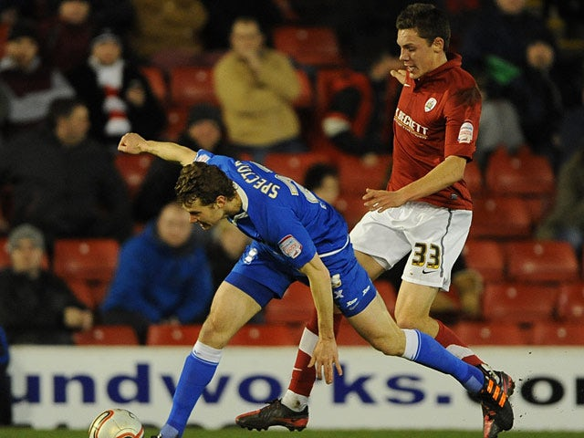 Digby pens new Barnsley deal