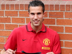 Van Persie feels 'privileged' to play for Ferguson and Wenger