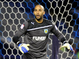 Grant, Burnley in contract talks