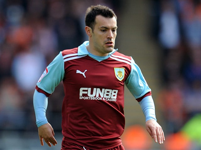 Wallace signs new Burnley deal