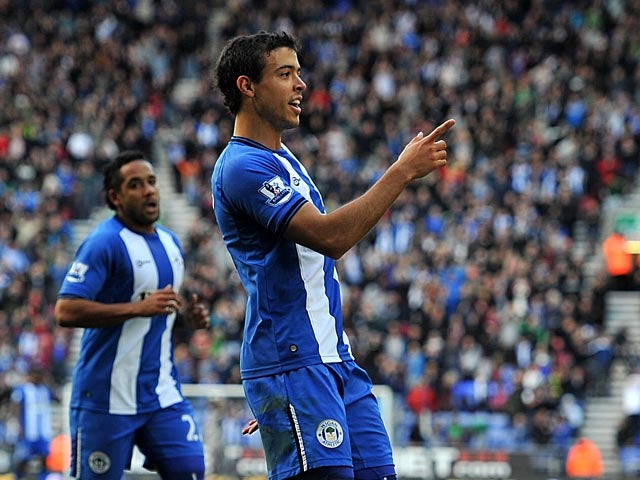 Swansea consider free agent Di Santo