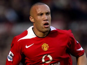 Silvestre trains with Man United