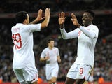 Danny Welbeck celebrates with Aaron Lennon