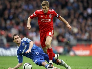 Gerrard: 'Carragher must have borrowed my boots'