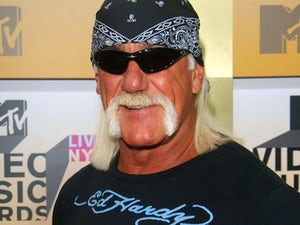 Hogan opens new store after sex-tape scandal