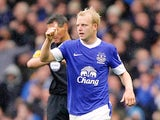 Steven Naismith scores for Everton