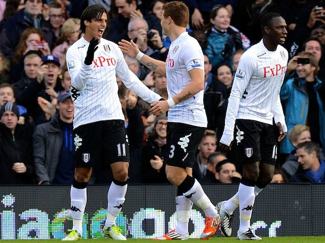 Bryan Ruiz celebrates Fulham's first