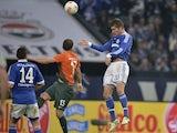 Roman Neustaedter scores for Schalke