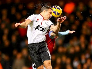 Van Persie out of Netherlands squad