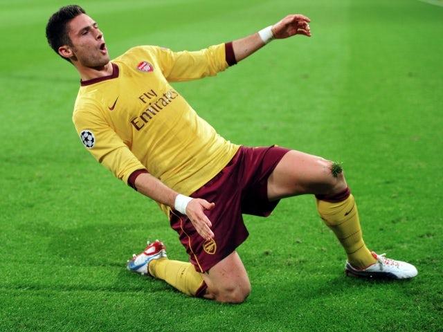 Giroud: 'PL very intense'
