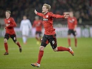 Bayer close gap on Bayern