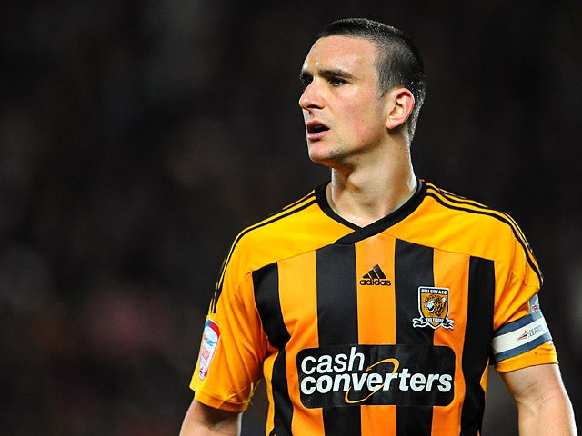 Report: Forest to loan Hull's Hobbs