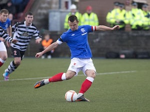 Rangers hit six at East Stirling