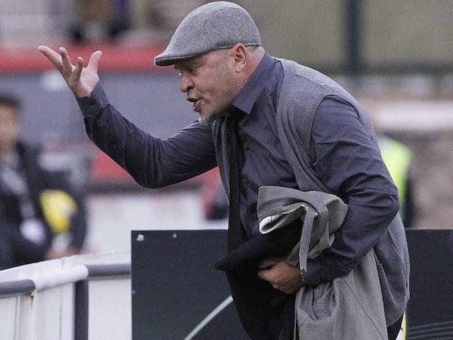 Siena coach Serse Cosmi is sent off on November 18, 2012