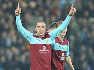 Marney signs new Burnley deal