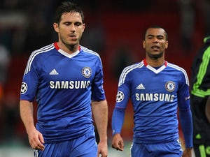 Lampard hails Cole's achievement