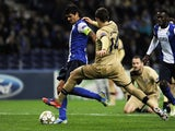 Lucho Gonzalez scores for Porto on November 21, 2012