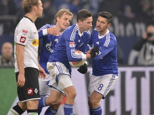 Draxler 'sticking with Schalke'