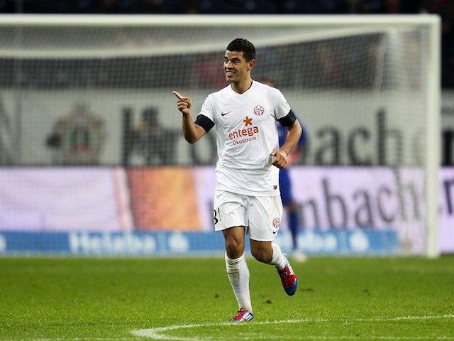 Result: Augsburg hold 10-man Mainz