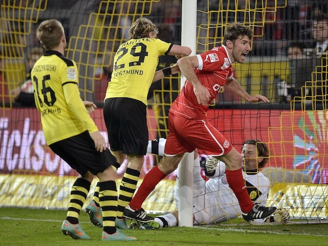 Dusseldorf's Stefan Reisinger scores on November 27, 2012