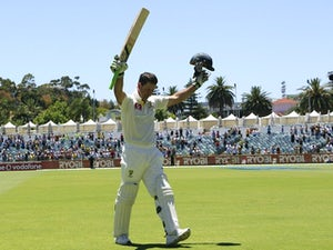 Ponting joins Surrey for two months