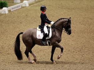 Charlotte Dujardin breezes into Olympic individual dressage final